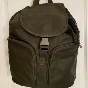 CARRY ONWARD RUCKSACK *12L in Olive